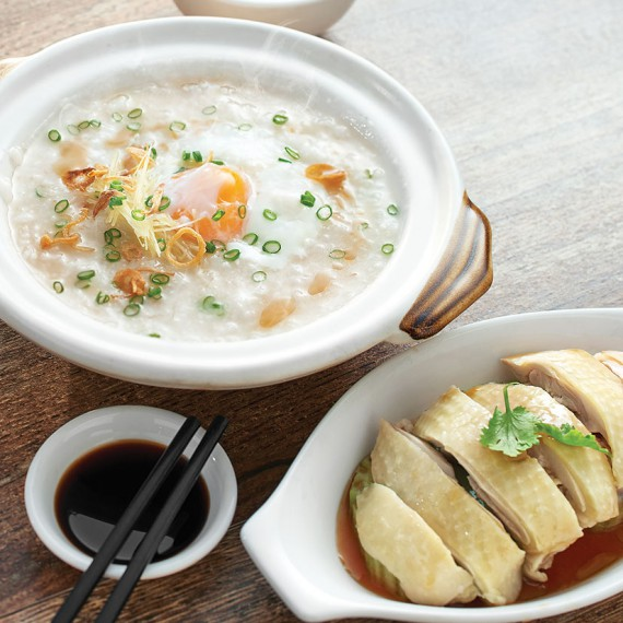 claypot-chicken-porridge-with-egg-steamed-chicken
