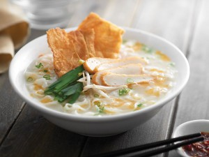 ipoh-kway-teow-soup-with-fish-cake-slices-fried-beancurd-skin