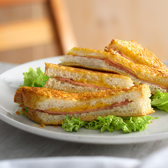 hainan-french-toast-with-chicken-roll